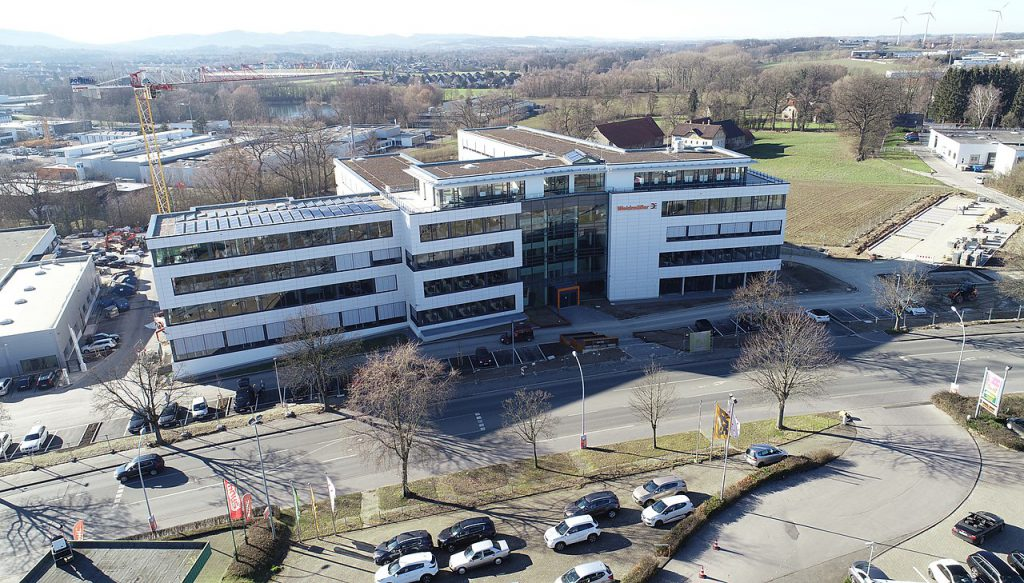 Bildquelle: Wikipedia / Weidmüller Kunden- und Technologiecenter in Detmold
